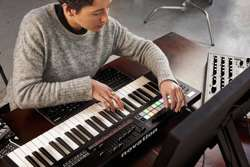 NOVATION Launchkey 49 MK3 - Klawiatura MIDI